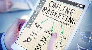 Winning and Losing Strategies in the Internet Marketing